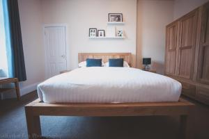 Stylish and Spacious two bed in Aberdeen's West End, Apartmanok  Aberdeen - big - 4