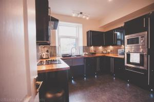 Stylish and Spacious two bed in Aberdeen's West End, Apartmanok  Aberdeen - big - 11