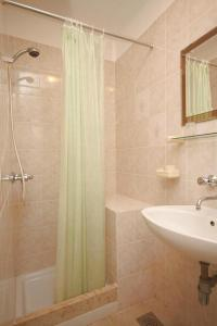 Apartment Novigrad 7054b, Apartmány  Novigrad Istria - big - 4