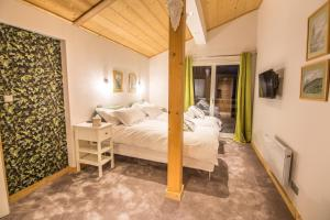 Boutique Catered Chalet with Altitude - Samoëns