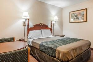 Econo Lodge Brownsville, Motels  Brownsville - big - 14