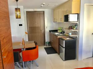 Studio type with free wifi, Ferienwohnungen  Manila - big - 9