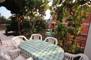 Apartment Poljica 5199a, Apartmanok  Marina - big - 4