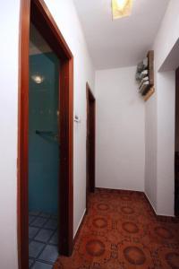 Apartment Poljica 5199a, Apartmanok  Marina - big - 11