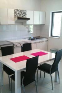 Apartment Poljica 5199a, Apartmány  Marina - big - 12