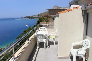 Apartment Omis 8334a