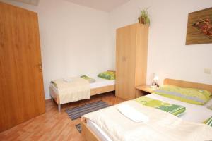 Apartment Mlini 8579c, Apartmány  Mlini - big - 3
