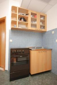 Apartment Mlini 8579c, Apartmány  Mlini - big - 5