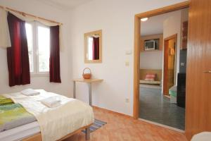 Apartment Mlini 8579c, Apartmány  Mlini - big - 11