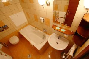 Vis Vitalis Hotel, Hotely  Kerepes - big - 25