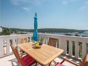 Two-Bedroom Apartment in Pula