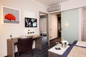 Best Western Plus Borgolecco Hotel, Hotely  Arcore - big - 35