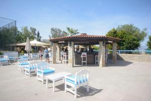 Tiana Beach Resort, Hotels  Turgutreis - big - 15
