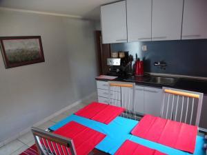 Апартаменты в двух уровнях на Свети Стефане, Apartmány  Sveti Stefan - big - 43