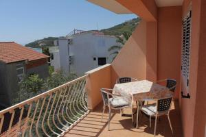 Apartment Tucepi 6806a