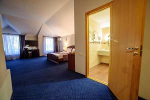 Poseidon Hotel, Hotely  Mariupol' - big - 34