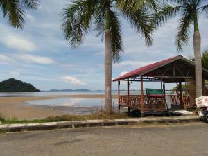 Palm Beach Villa, Nyaralók  Kampong Laut - big - 16