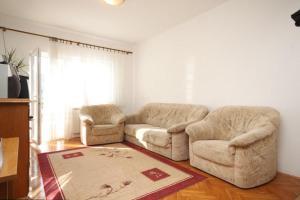 Apartment Grebastica 8367a, Apartments  Brodarica - big - 5