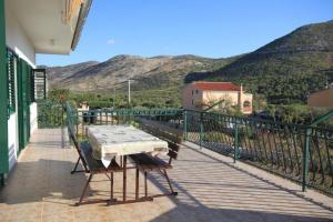 Apartment Grebastica 8367a, Apartments  Brodarica - big - 15