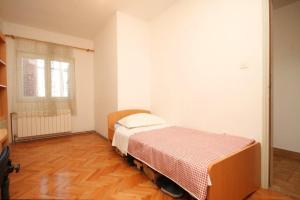 Apartment Grebastica 8367a, Apartments  Brodarica - big - 10