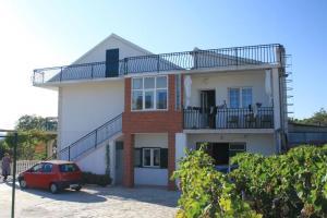 Apartment Grebastica 8367a, Apartments  Brodarica - big - 19