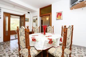Apartment Vinisce 8659a, Appartamenti  Vinišće - big - 2