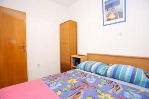 Apartment Vinisce 8659a, Appartamenti  Vinišće - big - 6