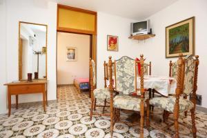 Apartment Vinisce 8659a, Ferienwohnungen  Vinišće - big - 9