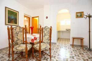Apartment Vinisce 8659a, Appartamenti  Vinišće - big - 15