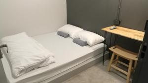 Small Double Room with Shared Bathroom ( No Window)