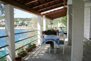 Apartment Zavalatica 4461c