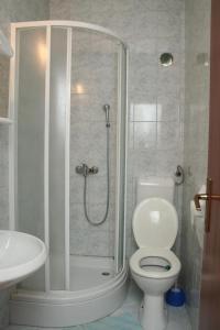 Apartment Sucuraj 136b, Apartments  Sućuraj - big - 9