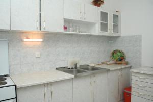 Apartment Sucuraj 136b, Apartments  Sućuraj - big - 11