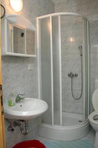 Apartment Sucuraj 136b, Apartments  Sućuraj - big - 13