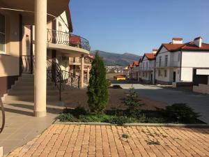 Hotel Chernomorsky Complex of Townhouse, Hotely  Kabardinka - big - 27