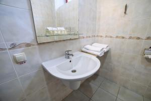 Poseidon Hotel, Hotely  Mariupol' - big - 40