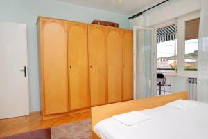 Apartment Senj 5572a, Apartmány  Senj - big - 16