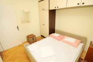 Apartment Senj 5572a, Apartmány  Senj - big - 15