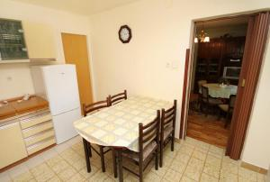 Apartment Senj 5572a, Apartmány  Senj - big - 13