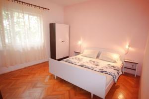 Apartment Tribunj 7117b, Appartamenti  Tribunj (Trebocconi) - big - 3