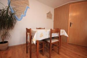 Apartment Stokovci 7457a, Apartments  Štokovci - big - 6