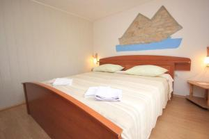 Apartment Stokovci 7457a, Apartments  Štokovci - big - 8