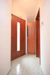 Apartment Stokovci 7457a, Apartments  Štokovci - big - 9