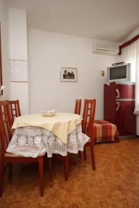 Apartment Novigrad 7121b, Apartments  Novigrad Istria - big - 4
