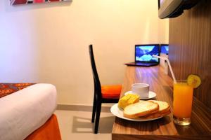 Hotel Alpha Makassar, Hotels  Makassar - big - 44
