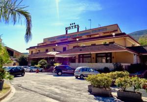 Prenota Hotel Ristorante Belvedere