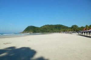 Casa na Praia do Engenho - Cond. pe na areia, Dovolenkové domy  São Sebastião - big - 14