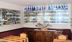 Hôtel Restaurant des Voyageurs, Hotel  Plonéour-Lanvern - big - 28