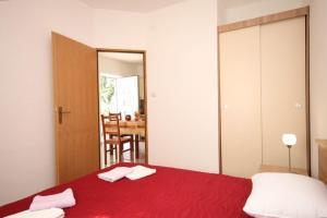 Apartment Stokovci 9039a, Apartments  Štokovci - big - 9