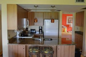 213F, Condo at Sarasota, with Intercoastal Waterway View, Dovolenkové domy  Siesta Key - big - 18